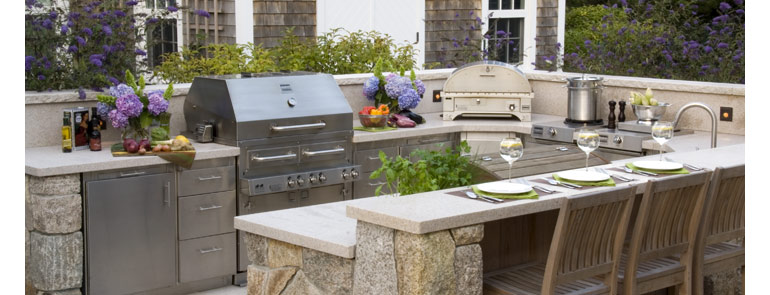 How to build an outdoor kitchen 14 outdoor kitchen designs for Plans for outside kitchen