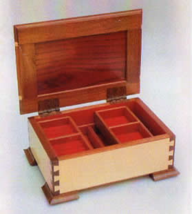 dovetail joints on jewelry box